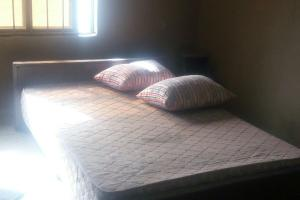 Self Contain Flat / Apartment for rent Oke Afa Isolo.Lagos Mainland Oke-Afa Isolo Lagos
