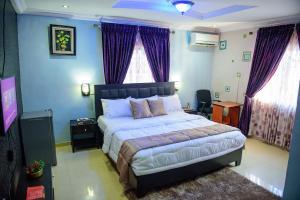 1 bedroom mini flat  Semi Detached Duplex House for shortlet First Unity Estate Badore Ajah Lagos
