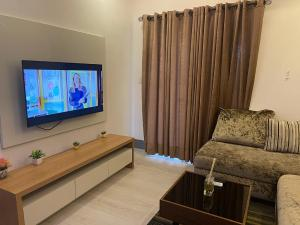 1 bedroom mini flat  Self Contain Flat / Apartment for shortlet Road 107 Banana Island Ikoyi Lagos