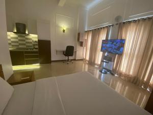1 bedroom mini flat  Studio Apartment Flat / Apartment for shortlet Oba Idowu Abiodun Oniru Road ONIRU Victoria Island Lagos