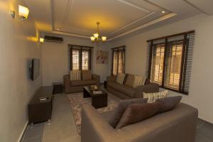 2 bedroom Flat / Apartment for shortlet Kado District Kado Abuja