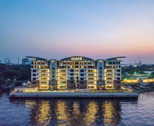 3 bedroom Flat / Apartment for sale OZUMBA MBADIWE Bonny Camp Victoria Island Lagos