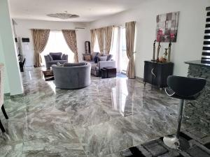 4 bedroom Penthouse Flat / Apartment for sale OFF PALACE ROAD  ONIRU Victoria Island Lagos