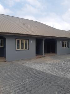 2 bedroom Self Contain for rent Ologuneru Junction Iyana Ekerin Off Eleyele Ologuneru Road. Eleyele Ibadan Oyo
