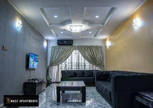 3 bedroom Flat / Apartment for shortlet Block 5, Unit 7 Paradise Estate. Life Camp Abuja