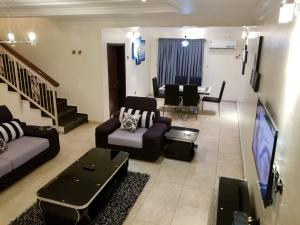 4 bedroom Flat / Apartment for shortlet Off Bishop Oluwole Akin Adesola Victoria Island Lagos