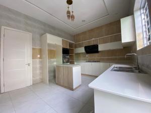 5 bedroom Flat / Apartment for sale 2nd toll Gate  Lekki Phase 2 Lekki Lagos