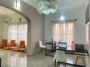 4 bedroom Office Space for shortlet U3 Estate Lekki Phase 1 Lekki Lagos