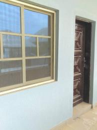 Self Contain Flat / Apartment for rent Oleyo off akala express ibadan  Akala Express Ibadan Oyo