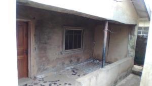 House for rent agboyi road adebayo Ketu Lagos