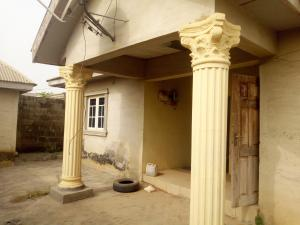 3 bedroom Detached Bungalow House for sale Koso estate, idi Oya area off ashipa road Akala Express Ibadan Oyo