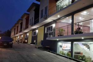 4 bedroom Terraced Duplex House for shortlet Jericho GRA Jericho Ibadan Oyo