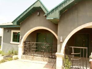 6 bedroom Detached Bungalow House for sale Area 1, liberty academy road off akala express  Akala Express Ibadan Oyo