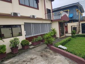 3 bedroom Self Contain Flat / Apartment for rent Jayeiola ajatta street  Ajao Estate Isolo Lagos