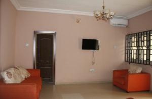 2 bedroom Flat / Apartment for shortlet Aerodrome Estate Samonda Ibadan Oyo