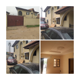 3 bedroom House for sale Akiti avenue, Okota Okota Lagos