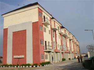 2 bedroom Flat / Apartment for sale Herbert Macaulay axis Alagomeji Yaba Lagos