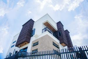 4 bedroom Semi Detached Duplex for sale Peninsula Gardens Estate Sangotedo Lagos