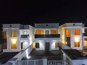 5 bedroom Detached Duplex House for rent Ado Road Ado Ajah Lagos