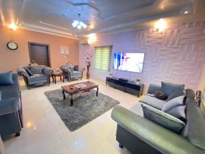 3 bedroom Flat / Apartment for shortlet Okun Ajah Ajah Lagos