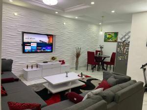 2 bedroom Shared Apartment for sale Ikate Lekki Lagos