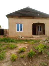 2 bedroom Detached Bungalow House for sale owo agbara road off golden estate, odo ona kekere, ibadan.  Odo ona Ibadan Oyo