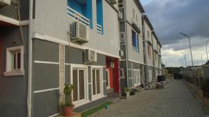 2 bedroom Flat / Apartment for sale Karmo Abuja