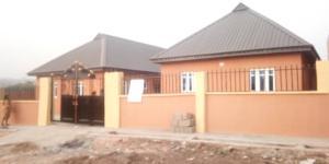 2 bedroom Shared Apartment Flat / Apartment for rent Ishefun After Ayetoro. Ogun State. Sango Ota Ado Odo/Ota Ogun