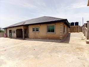3 bedroom Blocks of Flats House for sale Apata Ibadan Oyo