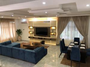 5 bedroom Semi Detached Duplex House for shortlet ONIRU Victoria Island Lagos