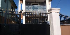 2 bedroom Blocks of Flats House for rent  Iju ishaga at Elliot back of read house police station. Iju Lagos