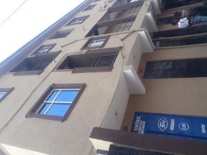 2 bedroom Flat / Apartment for rent Off shifawu street Ojuelegba Surulere Lagos