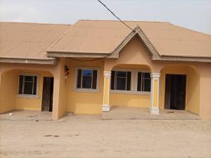 2 bedroom Blocks of Flats House for rent Aroro Yerokun  Ojoo Ibadan Oyo