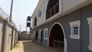3 bedroom Shared Apartment Flat / Apartment for rent Peluseriki near ire akari estate off akala express way Akala Express Ibadan Oyo
