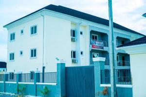 3 bedroom Flat / Apartment for shortlet Near Lagos Business School, Opposite Readington International School Off Lekki-Epe Expressway Ajah Lagos