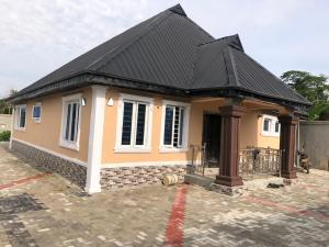3 bedroom House for sale : laanisa after Asunle area off Akala express challenge ibadan. Ibadan Oyo