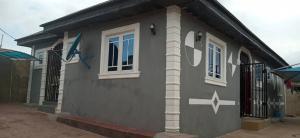 3 bedroom Detached Bungalow House for sale Alaro area near gbopa area off Ido/eruwa road ologuneru Ibadan Ibadan Oyo