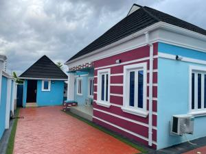 3 bedroom Detached Bungalow for sale Agbofieti, Opp All Saints' College, Jericho Ibadan Oyo