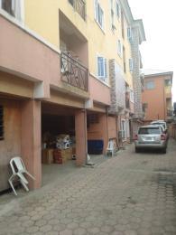 3 bedroom Blocks of Flats House for rent Off ishaga mabo  Randle Avenue Surulere Lagos