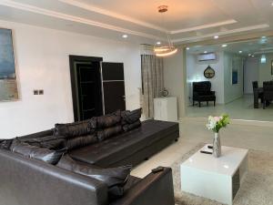 3 bedroom Flat / Apartment for shortlet Ogbonna Street, Lekki Phase 1 Lekki Lagos