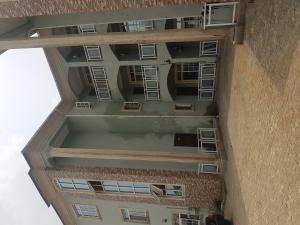 3 bedroom Shared Apartment Flat / Apartment for rent Market Road, Use Offot Uyo Akwa Ibom