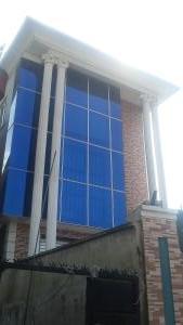 3 bedroom Flat / Apartment for rent Off Ogunyinka Street, Int'l Airport road Airport Road Oshodi Lagos