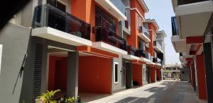 3 bedroom Massionette House for sale Off Palace Road ONIRU Victoria Island Lagos