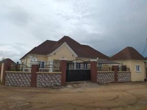 3 bedroom Terraced Bungalow House for sale New site estate federal housing Lugbe Lugbe Abuja