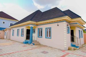 3 bedroom Semi Detached Bungalow House for sale Located At Old Road By Thinkers Conners  Enugu Enugu