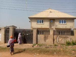3 bedroom Shared Apartment Flat / Apartment for sale Behind with God soka ibadan Soka Ibadan Oyo