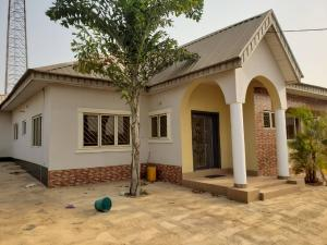 4 bedroom Detached Bungalow House for sale very close to major road at ologuneru ibadan Ibadan Oyo