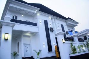 4 bedroom Semi Detached Duplex for shortlet Agungi, Lekki Agungi Lekki Lagos