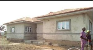 4 bedroom Flat / Apartment for sale Behind NTA Obaile housing estate,  Akure Ondo