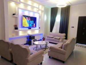 4 bedroom Hotel/Guest House Commercial Property for shortlet Oral Estate Lekki Lagos